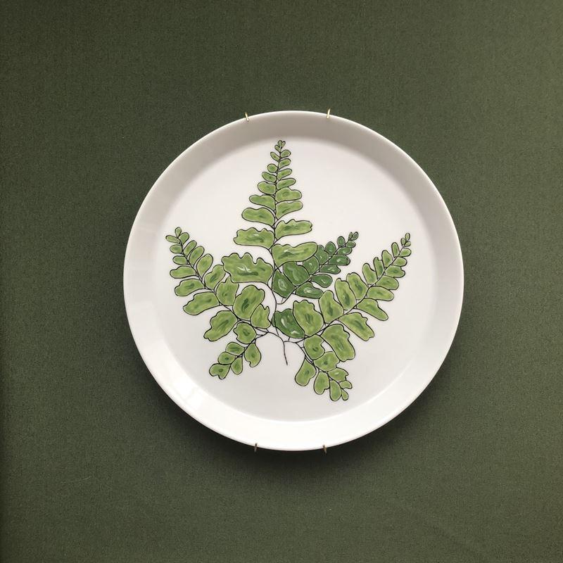 Nowoczesne talerze malowane ręcznie