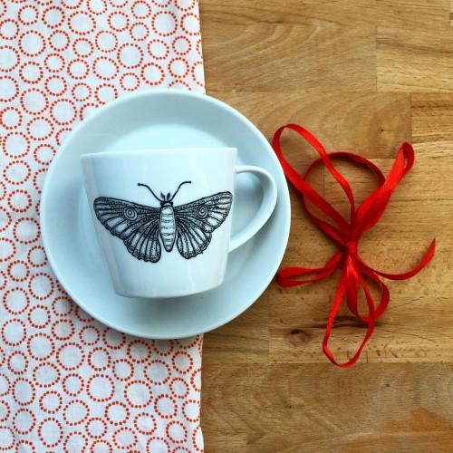 Ręcznie malowana filiżanka do kawy pawica głogówka