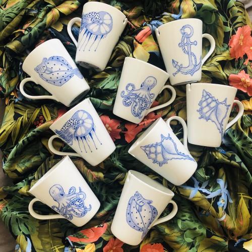 Kubki ręcznie malowane farbami naszkliwnymi i wypalane w piecu ceramicznym, produkcja polska seria Morska